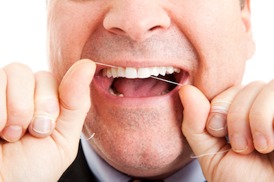 Zahnseide: Geschicklichkeit und Uebung notwendig.