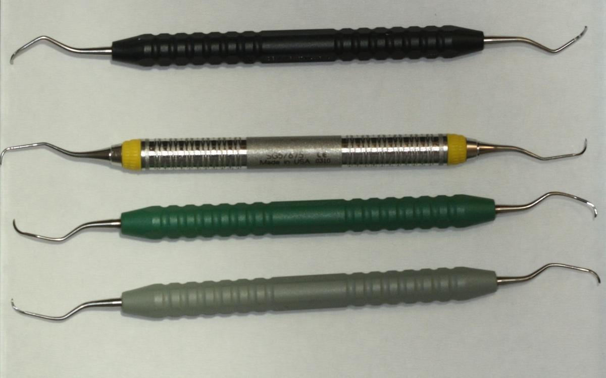 Handinstrumente für die Parodontosebehandlung:Gracey- und Langner-Küretten